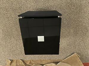 REL T/7i Subwoofer in Gloss Piano Black