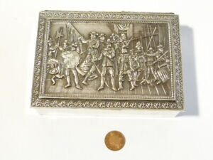 Vintage 20thC Repousse 16-18th CAVALIERS Soldiers Period Scene Trinket Box