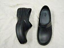 CROCS dual comfort black clog style shoe   Size 9