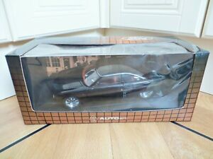 AUTOART 72831 'FORD FORTY NINE' BLACK. 1:18. BOXED.