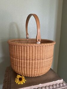 Large Nantucket Handmade Basket With Whale Artist Signed & Dated