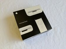 Apple iPod Universal Dock (Video, iPhone, Nano, Classic, Touch) MB125G/A
