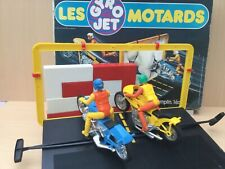 GYROJET LES CASCADEURS coffret complet Les MOTARDS avec 2 motos et mur