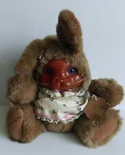 Robert Raikes Originals Bunny Rabbit Ashley con etiquetas caras de madera