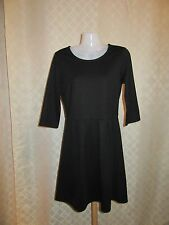 3/4 Sleeve Dress size MD GAP color Black ,Zipper back NWT
