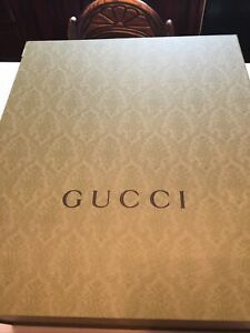 """HUGE Gucci Authentic Green Gift Box With Magnetic Closure 22""""x19""""x10"""" Tissue Too"""