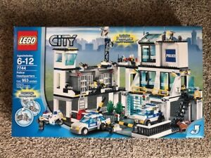 LEGO 7744 City Police Headquarters New Factory Sealed