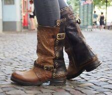 In Größe 42 Stiefel mit kleinem Absatz (kleiner als 3 cm)