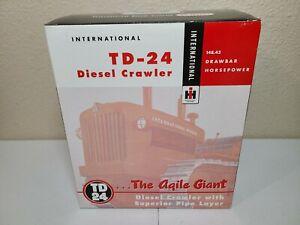 International IH TD-24 Crawler Pipelayer - SpecCast 1:25 Scale #ZJD1534 New!