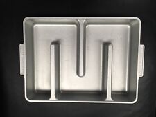 Bakers Edge Brownie Pan Nonstick Cast Aluminum   Item # √7055