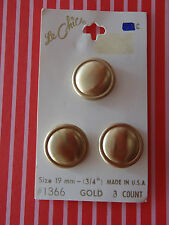 Carded Goldtone Le Chic Vintage Buttons scrapbook quilt jewellry sew bear doll