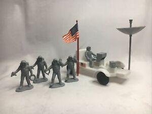Vintage? Grey NASA Plastic Astronaut SpaceToy Figure Play Set Rover USA