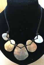 Short green shell Necklace