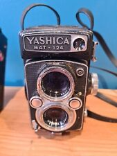 Yashica Mat 124 medium format 6x6 film camera Twin Lens, Used