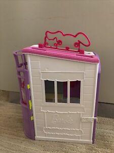 Pink Barbie Pet Care Center - Vet Clinic EC