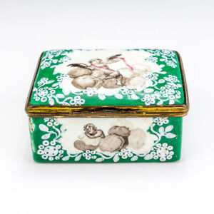 Antique Georgian Bilston & Battersea Enamels - Cherub Decorated Pill Box