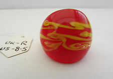 A RED & YELLOW MURANO STYLE GLASS RING. UK..R.  US..8.5.      (7)