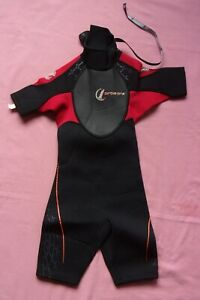 """CIRCLE ONE Child's Shortie Wetsuit - Black, Red - Size XXS - 24"""" Chest Approx"""