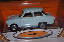 Trabant 601 S Deluxe hellblau 1:24 Yat Ming neu & OVP 24216