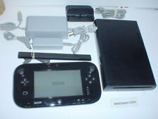 NINTENDO Wii U 32gb system complete w/ GAMEPAD & a MARIO KART 8 game preloaded