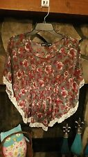 Women's Blouse Size M Gray Burgundy Lace Trim Living Doll Brand Cute
