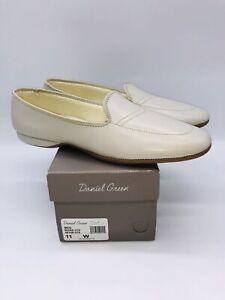 Daniel Green Women's Meg Leather Slip-on Slippers Bone US 11W