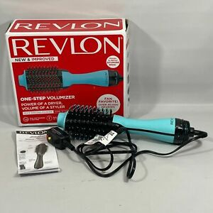 REVLON One-Step Hair Dryer And Volumizer Hot Air Brush Mint