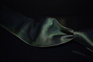 #1 MENSWEAR Tie Your Tie Firenze Olive Green Satin Vertical Ribbed Silk Tie NR