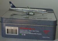 NG Model 53005 Boeing 757-28A China Xinjiang Aerolíneas B-2852 en 1:400 IN Lata