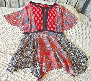 Long top by GEORGE Size 14-16 Red black multi Floral