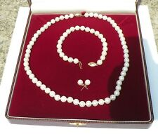 Necklace  Bracelet (14k gold clasps) and earrings  pearl Set lot121