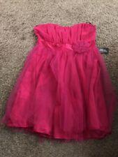 Forever 21 PROM/semi formal formal Pink Dress Sleeveless (Short Le Fuchsia)