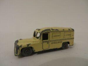 Matchbox 1-75 No. 14 Daimler Ambulance Vintage Lesney Diecast