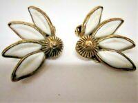Vtg. Crown Trifari Signed White Enamel & Gold Plate Daisy Flower Clip Earrings