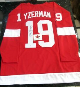 STEVE YZERMAN DETROIT RED WINGS AUTOGRAPHED HOCKEY JERSEY WITH COA
