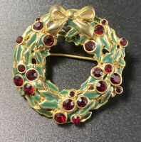 Vintage Christmas Wreath Brooch Green Enamel Red Rhinestone Gold Tone Pin