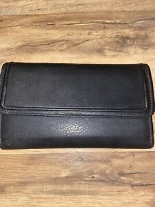 ROLFS genuine smooth finish leather womens black checkbook wallet, NWOT