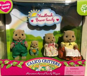 RARE VINTAGE CALICO CRITTERS WOODBROOK BEAVER FAMILY CLOVERLEAF CORNERS SET NEW!