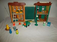 FISHER-PRICE LITTLE PEOPLE SESAME STREET APARTMENT HOUSE #938 vintage Original