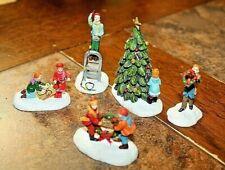 SET OF 5 -2004 HAWTHORNE VILLAGE CHRISTMAS VILLAGE ACCESSORIES