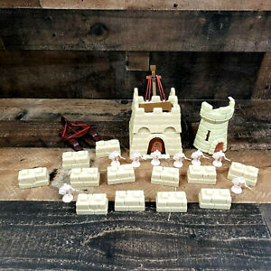 1983 Crossbows and Catapults Lot Tan Castle Solders Parts and Extras