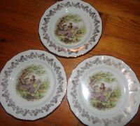 DIGOIN 3 ASSIETTES A DESSERT / DECOR FRAGONARD/ PORCELAINE DE FRANCE DIGOIN