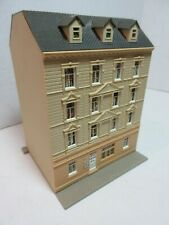 N SCALE POLA 4 STORY BUILDING W/  BALCONY - APARTMENTS - EXCELLENT CONDITION