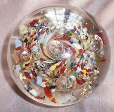 Sulfure ancien tourbillon inclusions multicolores et bulles d'air