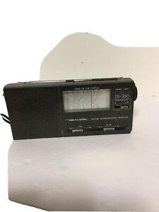 Vintage Realistic DX-360 AM-FM Communication ReceivePortable Radio NO AC Adapter