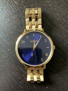 "Nixon Armbanduhr ""The Arrow"" gold/blau - sehr guter Zustand"