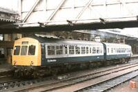 PHOTO  2 CAR DMU NO 78974 78724 AT SHEFFIELD 1986