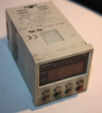 Fuji Electric PXZ4TAY2-1V000 Temperature Controller