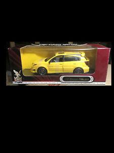 2003 Pontiac Vibe YELLOW 1:18 Road Legends YatMing 92508