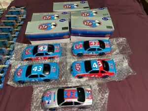 All Five (5) Richard Petty 25th anniversary 1:24 Die cast Bank Collection